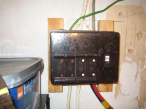new consumer units fuse boards eth eth iexcl cardiff electricians call old wooden type fusebox